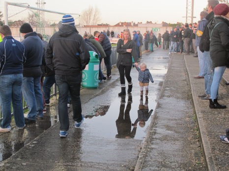 They start young on the terraces. (Photo: Stadiafile)