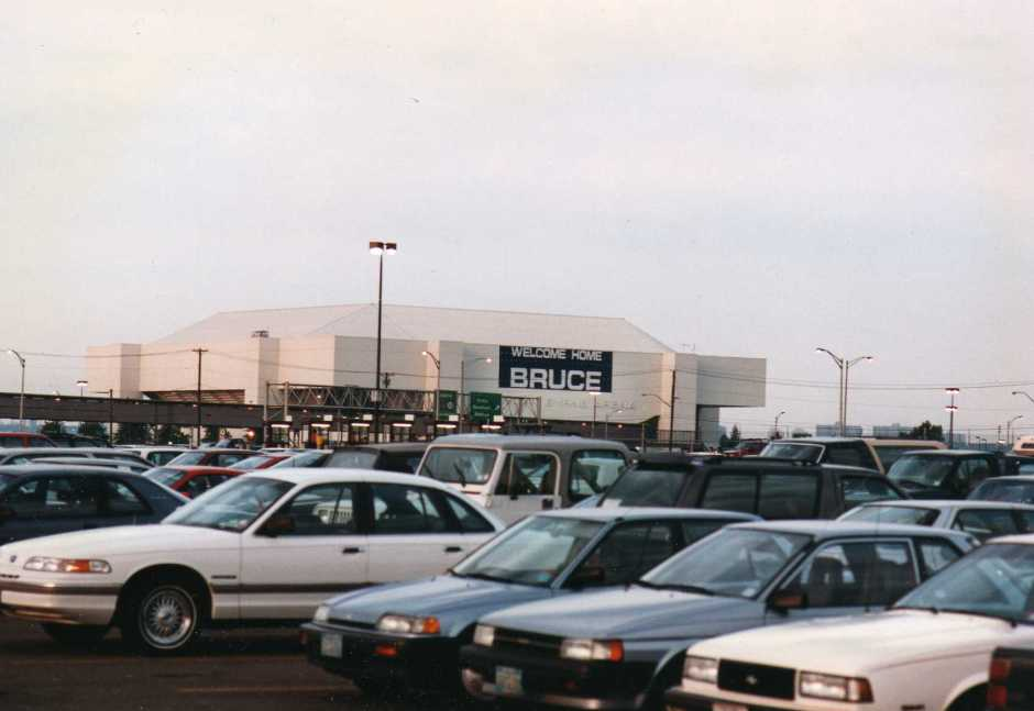 Brendan Byrne Arena c. 1993 (Photo: Wikipedia)