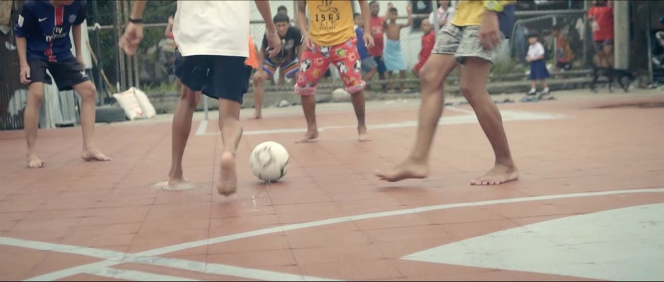unusual-football-pitch-ap-thai-cj-worx-bangkok-thailand_dezeen_1704_col_2